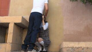 Estudiantes mexicanos escapan del colegio para follar